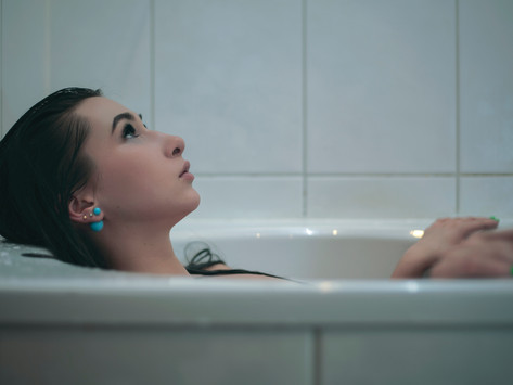 Free Flow: Why I Gave Up on Tampons & Pads and Just Bleed & Moan in My Bathtub for 5 Days