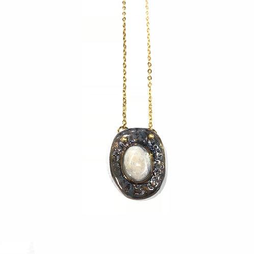 Oval Pendant Layla Necklace