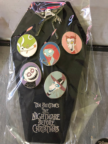 Nightmare before Christmas Best Guest Pin Set LE 1500