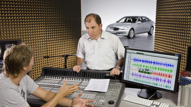 Turkish Voice of Mercedes S- Class