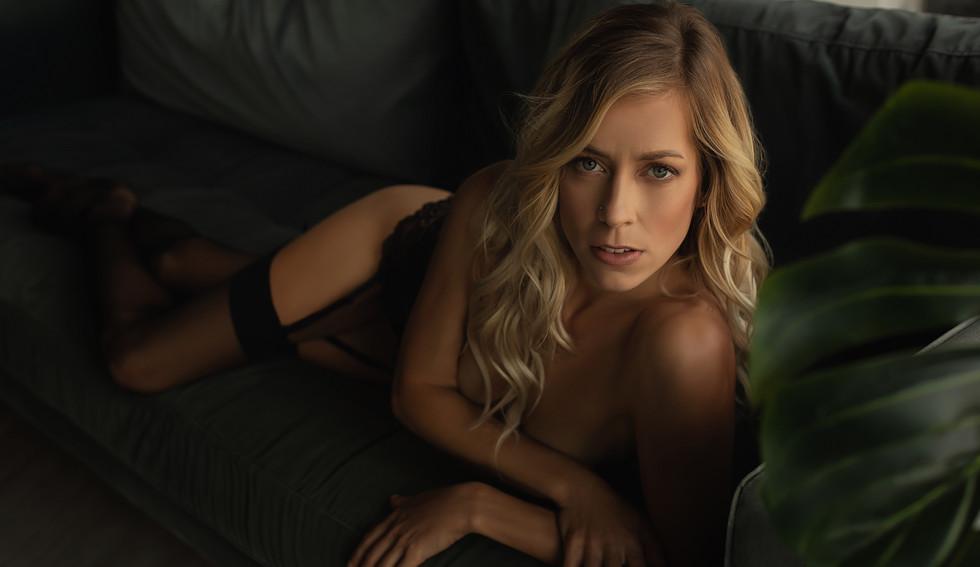 Beautiful girl posing for photoshoot | Portrait Photographers Beverly Hills