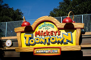 Mickey s Toontown is a themed land at Disneyland and Tokyo Disneyland, two theme parks operated by Walt Disney Parks & Resorts.