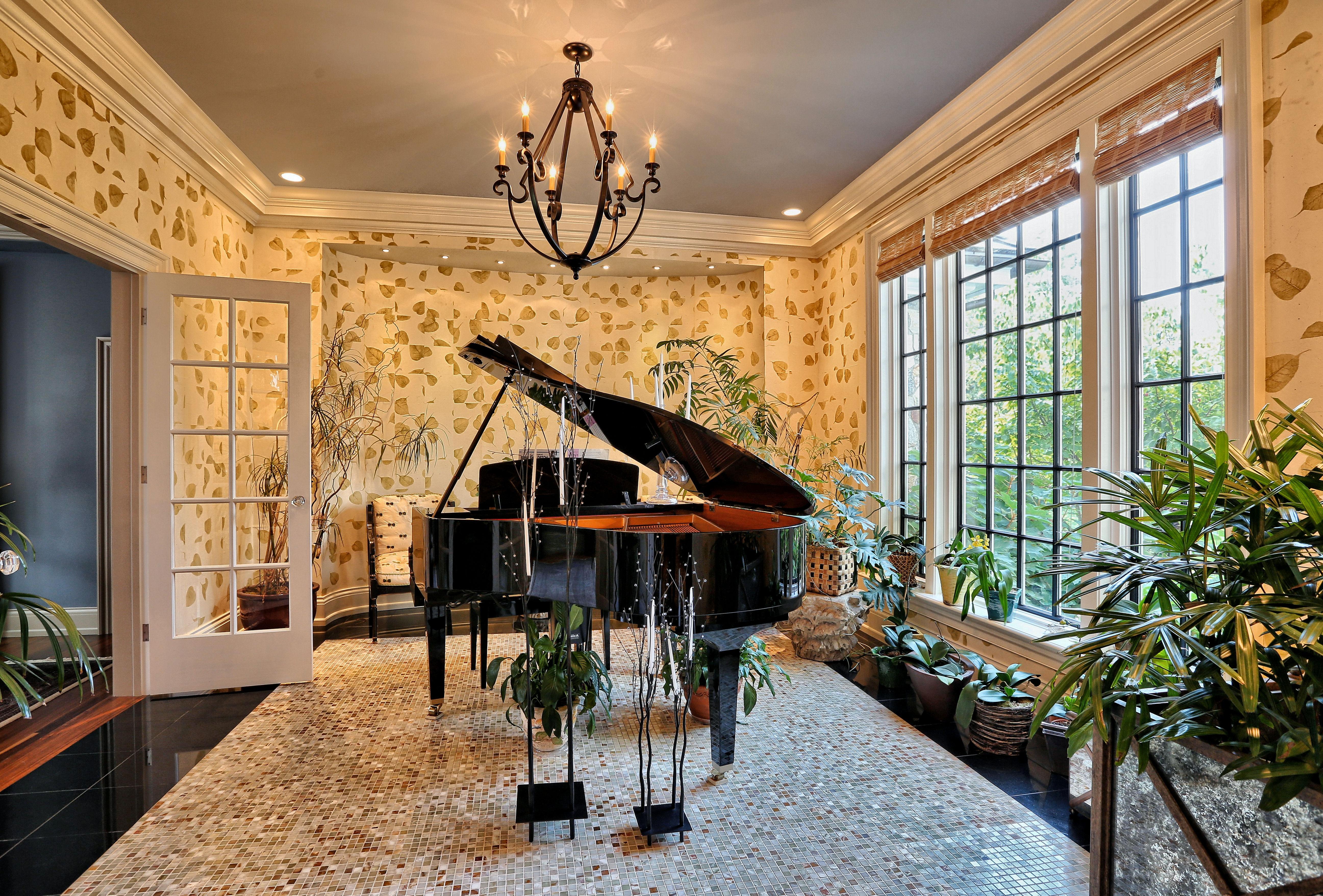 28 Music Room