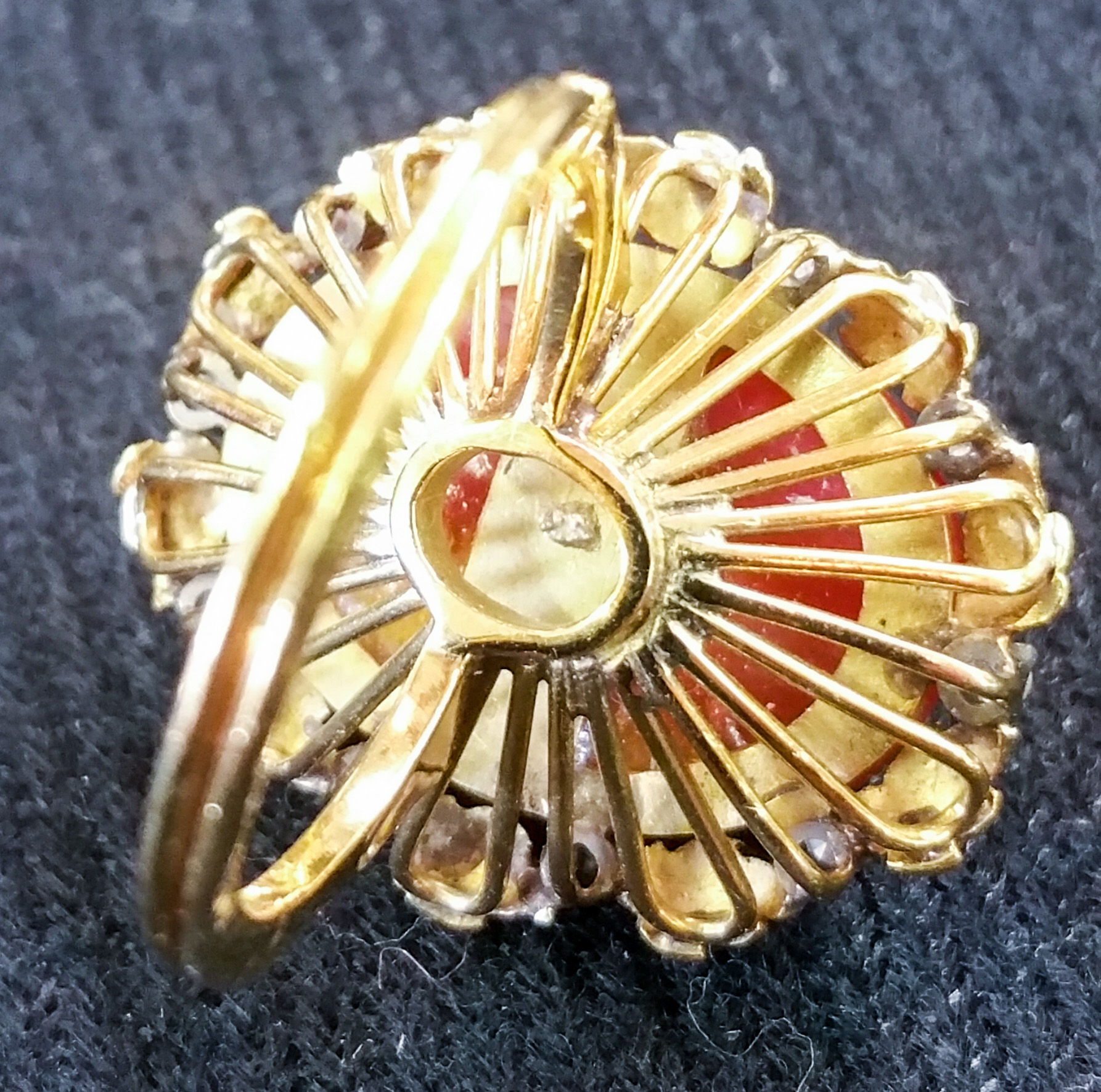 Coral Ring with Diamonds d