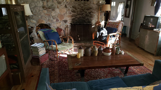 Early Primitives & Country Livingroom