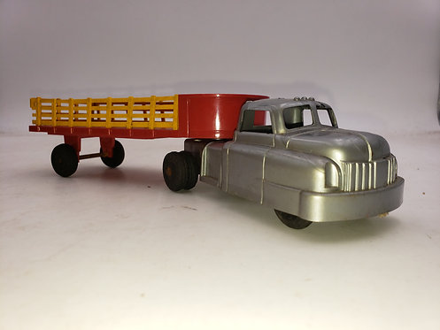 WYANDOTTE 1950s toy pick up with trailer