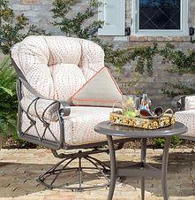 derby-seating-2-woodard-furniture.jpg