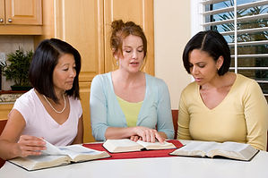 Woman leading a ladies Bible Study