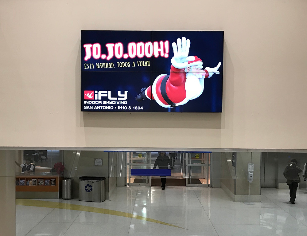 Airport Display - iFly Indoor Skydiving Spanish