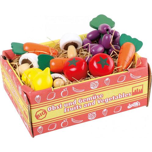 Caixa de legumes com ráfia
