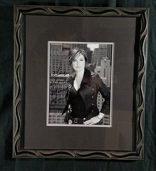 """Law and Order Actress """"Oliva Benson""""12 x 14 photo"""