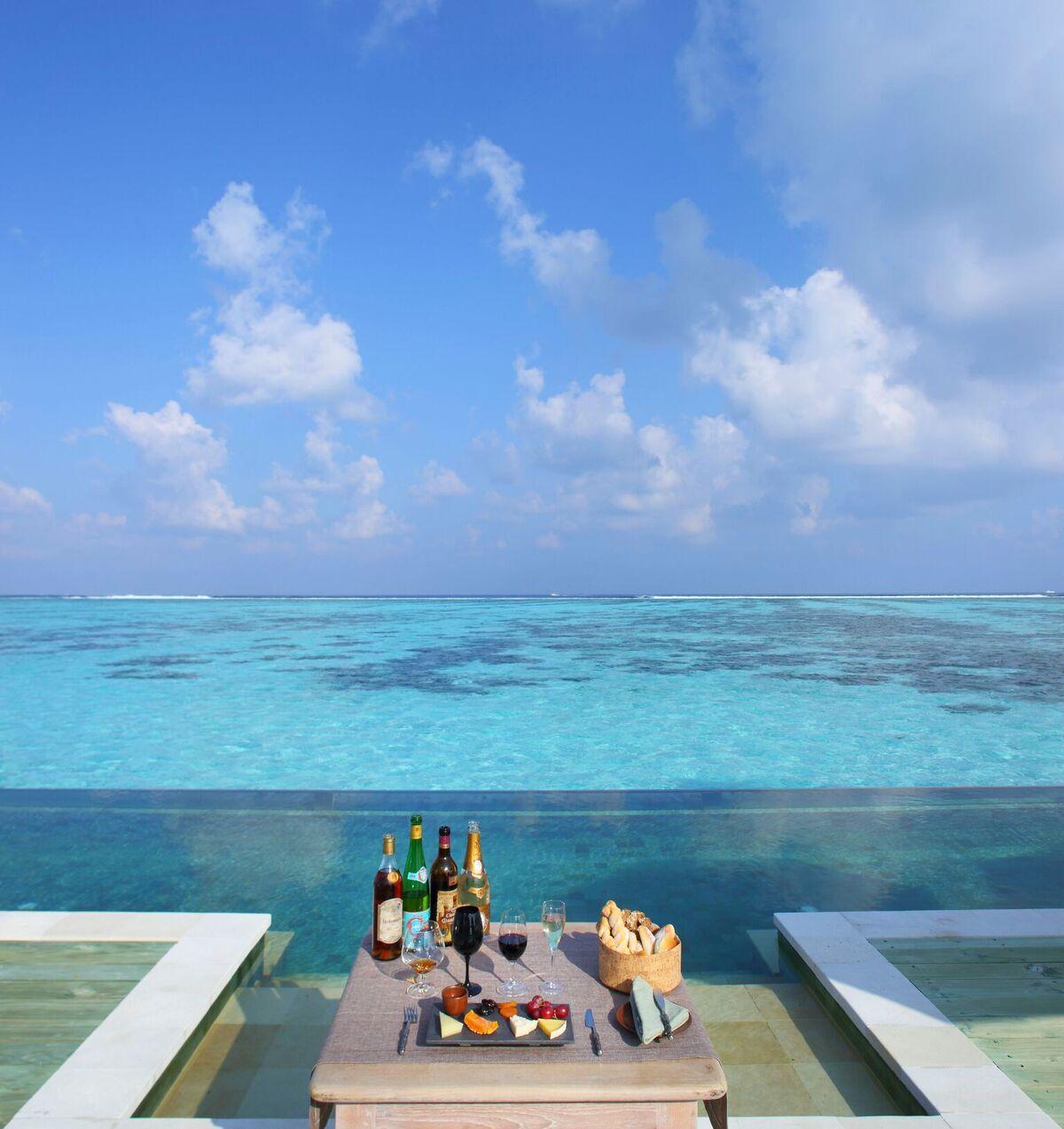 Private Reserve Beverage Tasting at Infinity Pool
