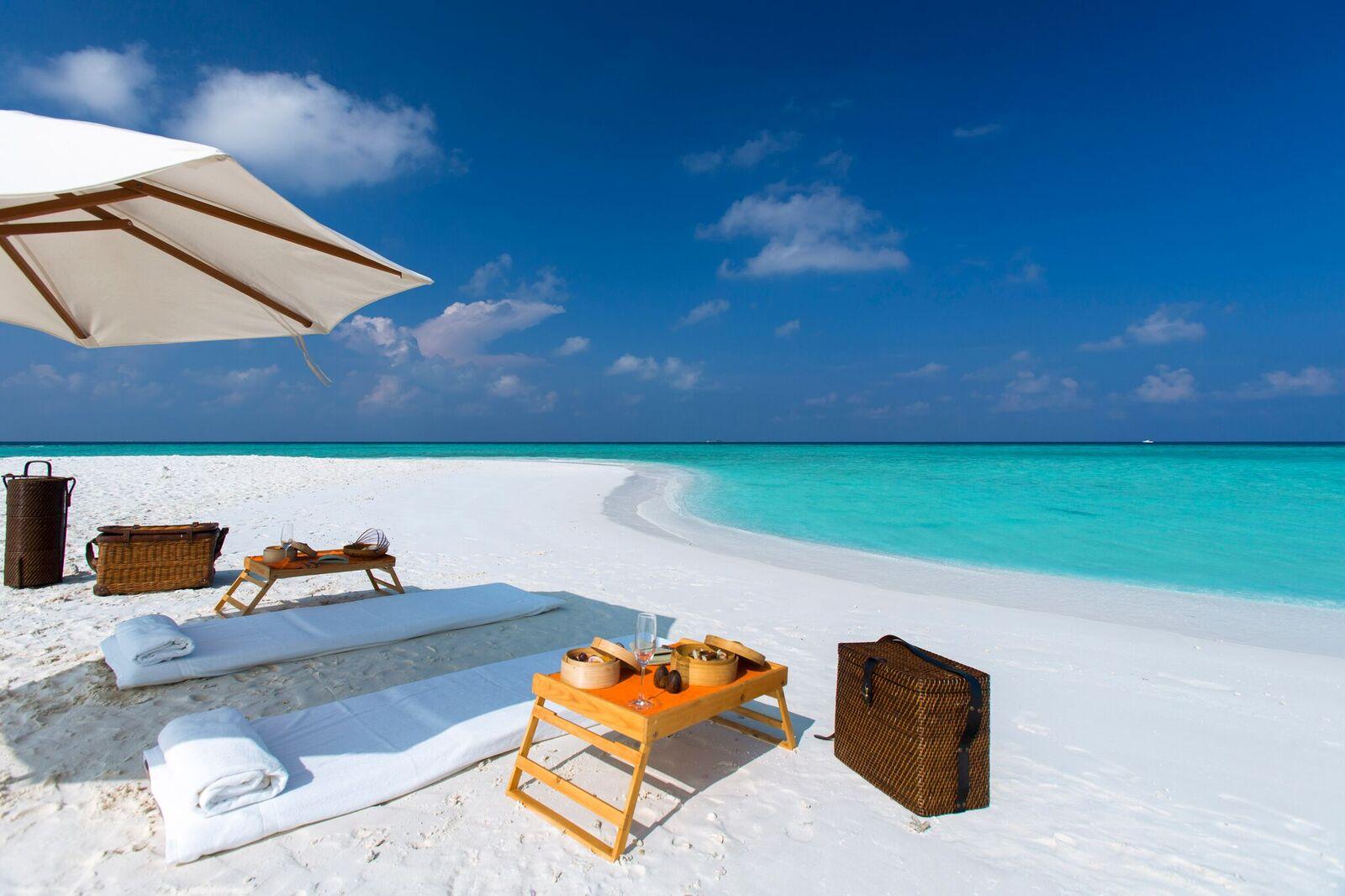 Private Sandbank Picnic