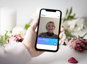 iphone-11-mockup-featuring-valentine-s-d