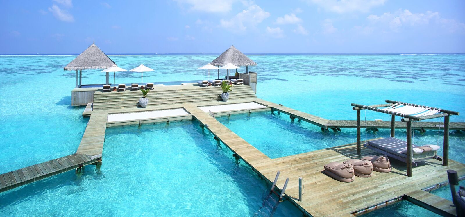 Private Reserve Infinity Pool and Day Bed