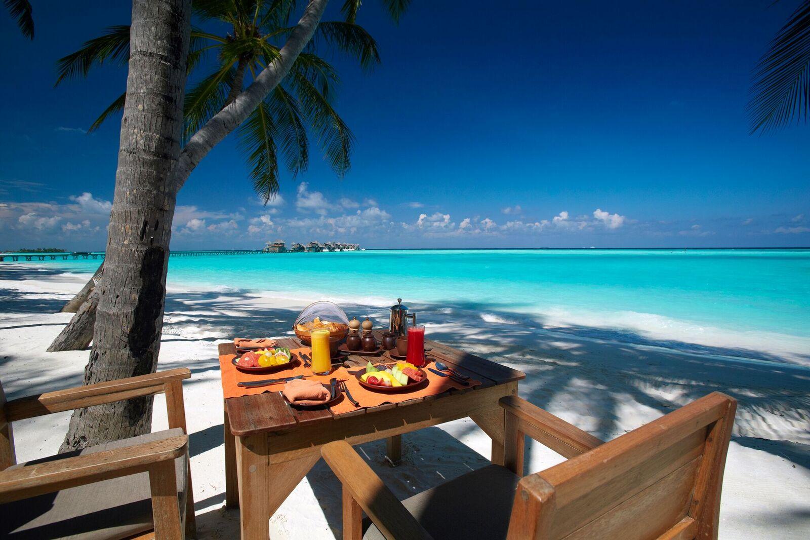 Breakfast by the beach at Main Restaurant