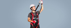 Versatile 2 points harness with automatic buckles and extension back anchorage ring
