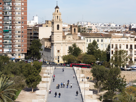 «Campanarios de Valencia. Pasión a ras de cielo», por Carmen Velasco.