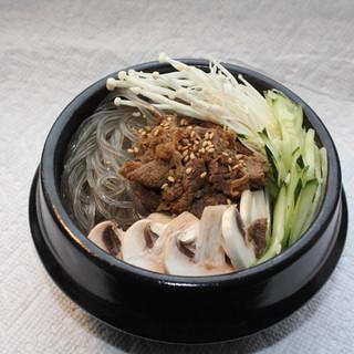 Hot Pot Bulgogi Noodle Soup   뚝배기 불고기
