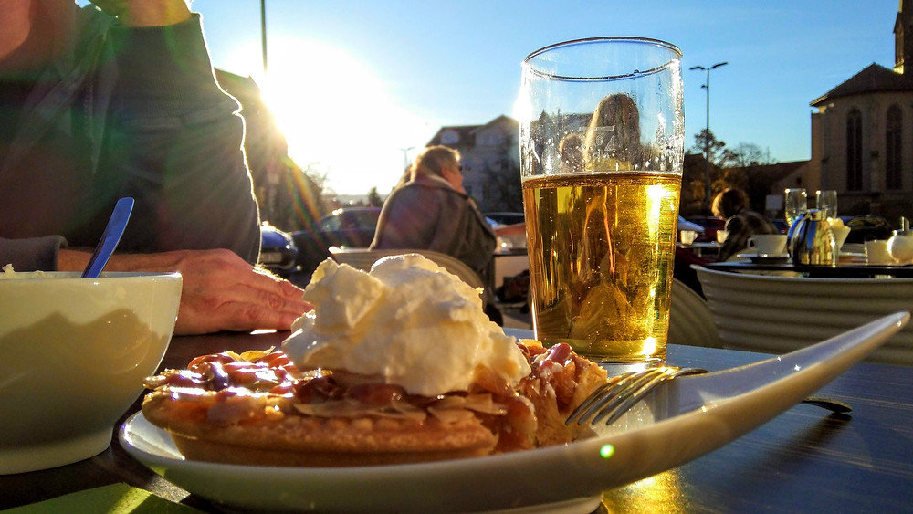 Apple tart and beer