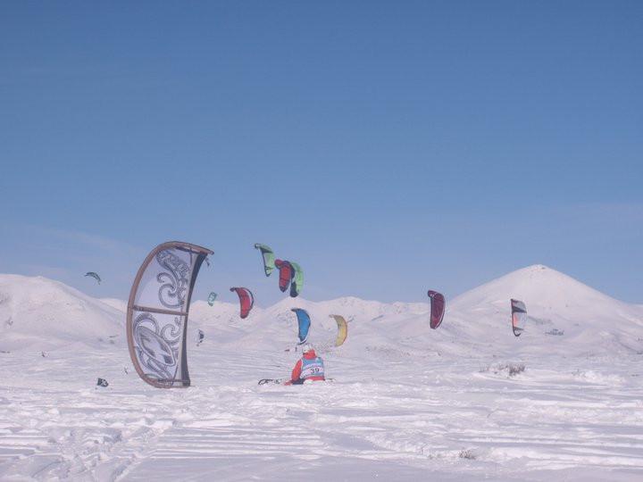 Snowkiters in a race in Idaho