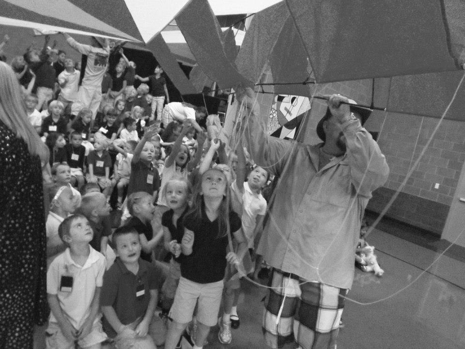 Simon Crafts shows his kites to the kids