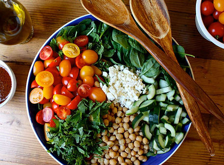 Spinach-Salad-with-Quinoa-Chickpeas-and-Paprika-Dressing-Roundup_gwftar.jpg