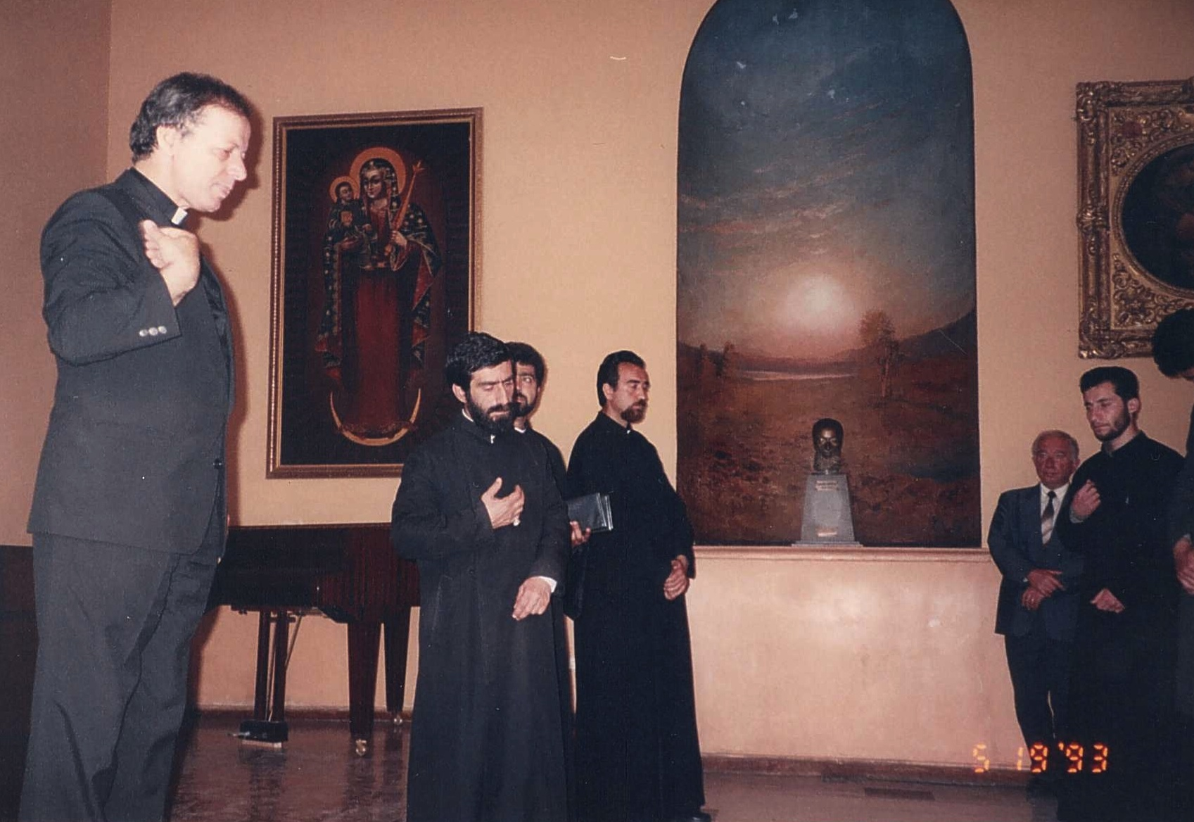 Lecturing at Kevorkian seminary in Echmiadzin.jpg