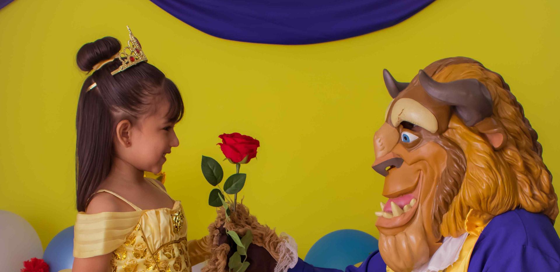 Fotografía de cumpleaños bella y la bestia