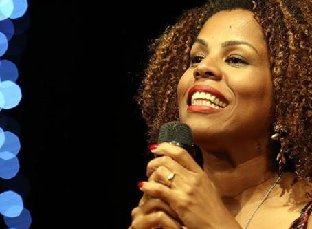 Cristiane Sobral: teatro, poesia e ativismo ao público da Jornada