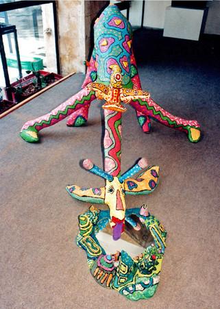 ג'ירפה מעיסת נייר, לתערוכה בבית אות המוצר, 1992