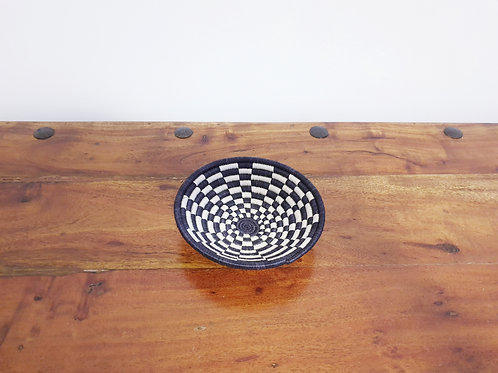 Rwandan Sisal Checkered Basket (small)