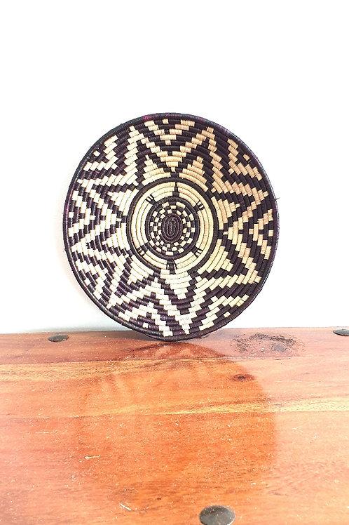Rwandan Sisal basket (Beige and black)