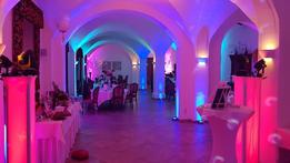 uplight und ambiente für eine Hochzeit in Grimma