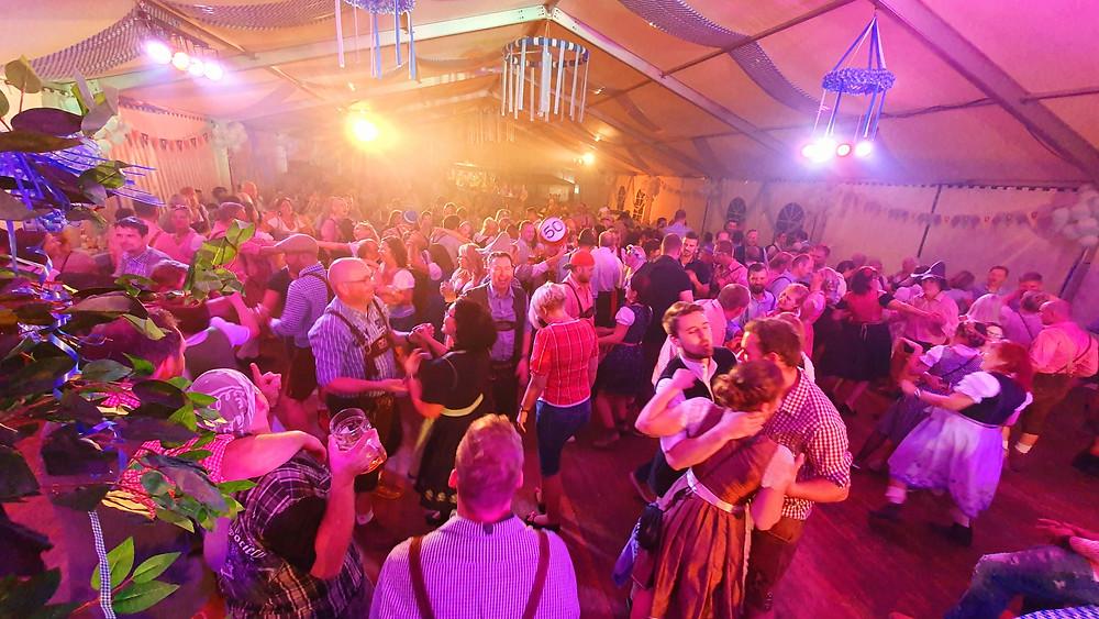Oktoberfest im Festzelt Rötha