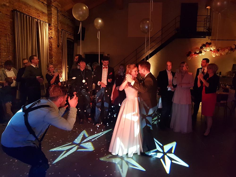 Brautpaar beim Hochzeitstanz im Kaiserbad Leipzig