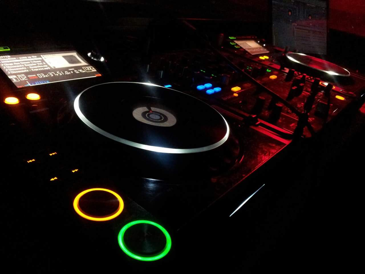 DJ Technik Pioneer