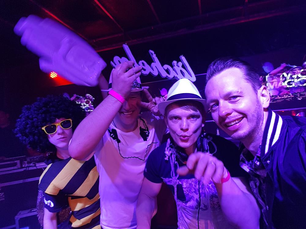 Dj René mit der Partyhummel und Two Magics bei der Sputnik Heimattour in Taucha