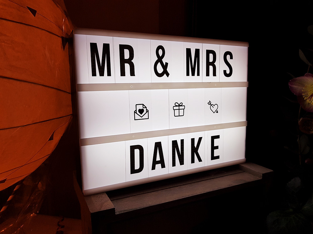Schild Mr & Mrs Danke