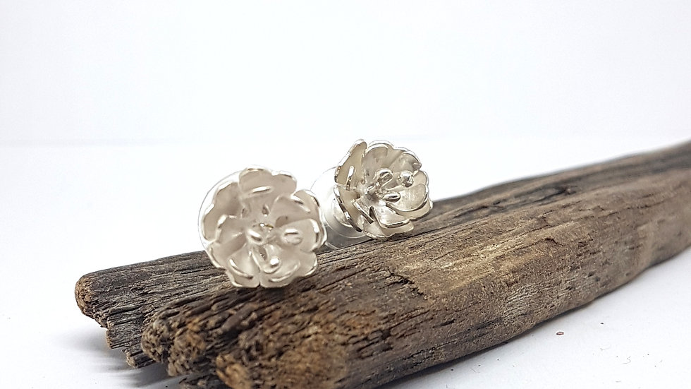 Floral fusion studs