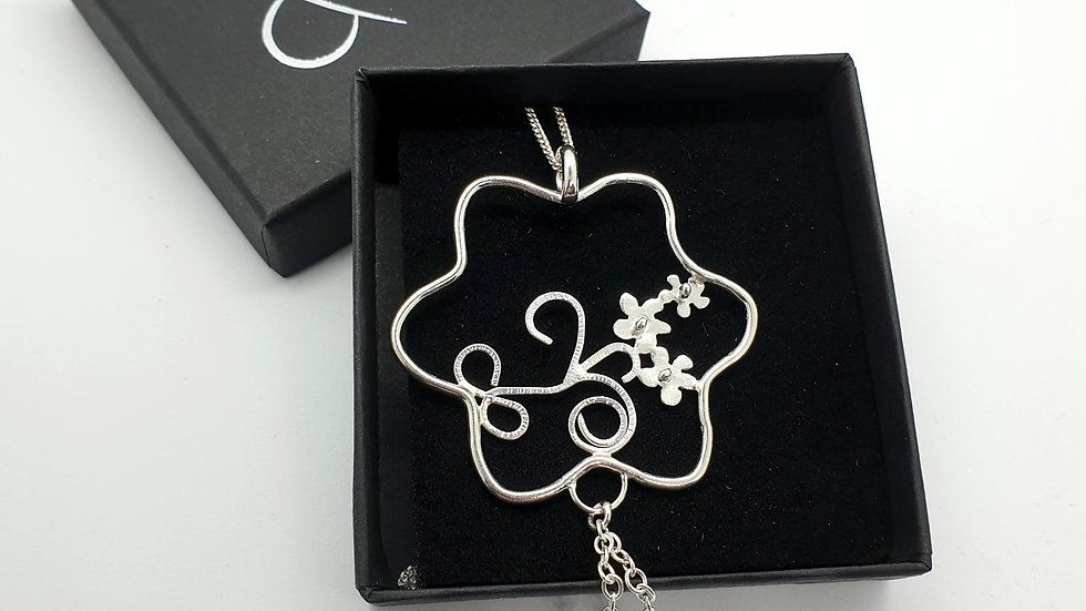 Framed spring flowers Pendant and chain