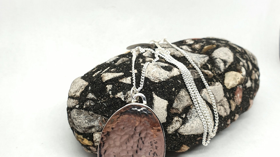 Hammered oval