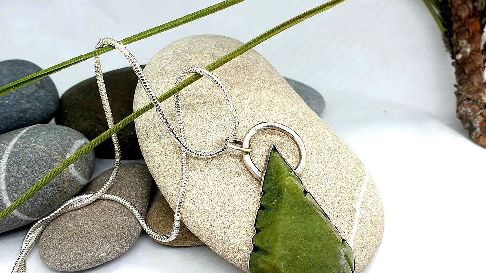 Green age pendant and chain