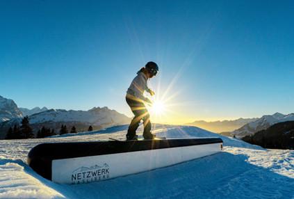 Um einen Snowboard-Park zu erstellen, benötigten wir Obstacles, wie z.B. Boxen, Rails und weitere Elemente.