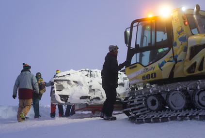 Je nach Schneefall ist die Arbeitszeit und die Anzahl der Hilfskräfte unterschiedlich.