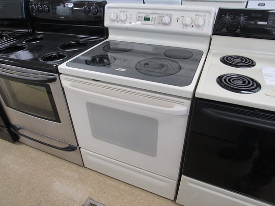 """Pre-Owned GE Spectra 30""""W Electric Range"""