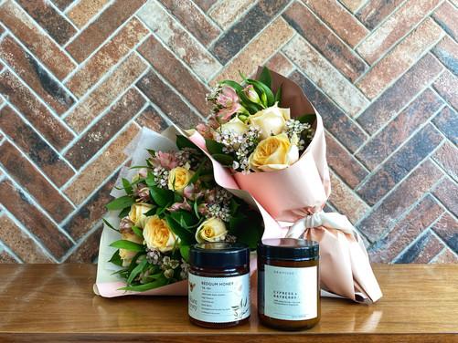 Mothersdayflowers+honey+soywaxcandle