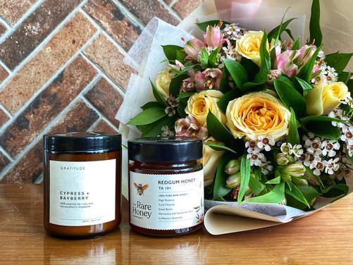 Mothersdaydevotion+honey+soywaxcandl