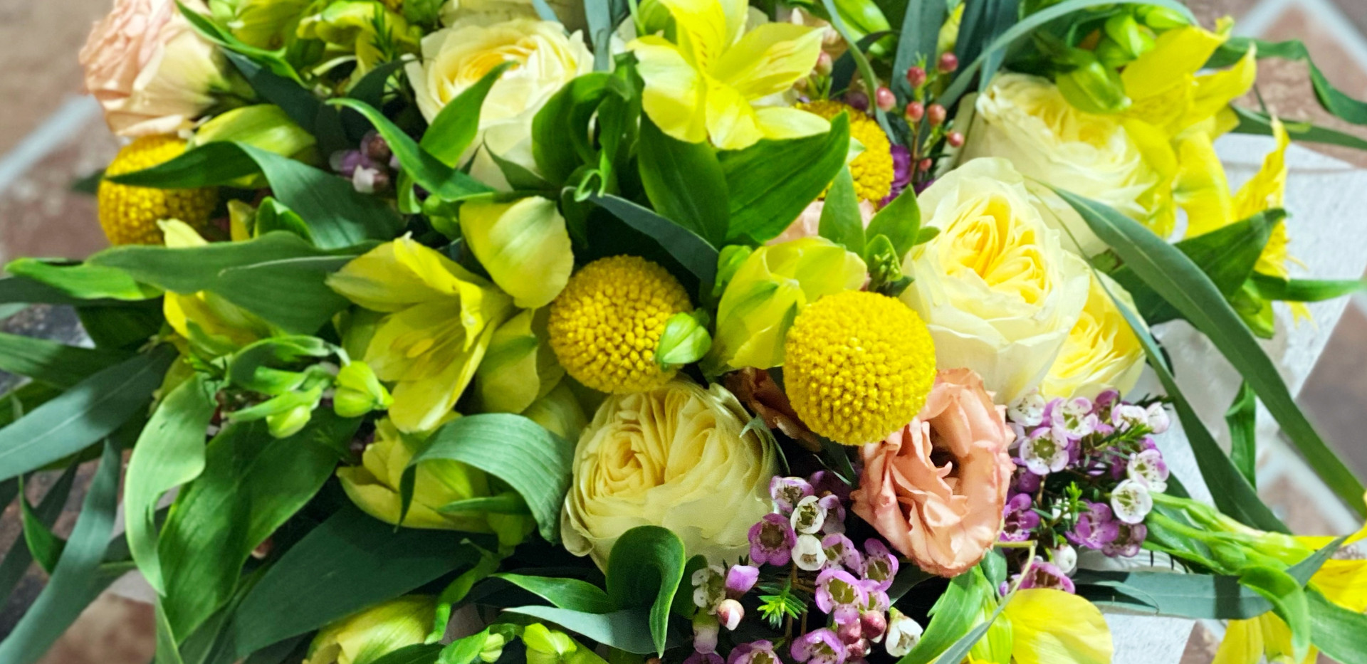 Cheerful yellow bouquet