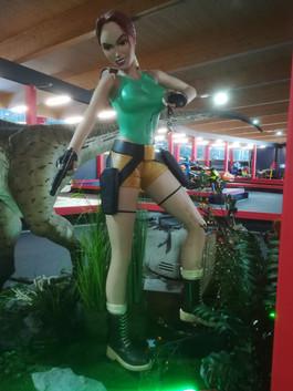 Tomb Raider Lara Croft Life Size - Muckl